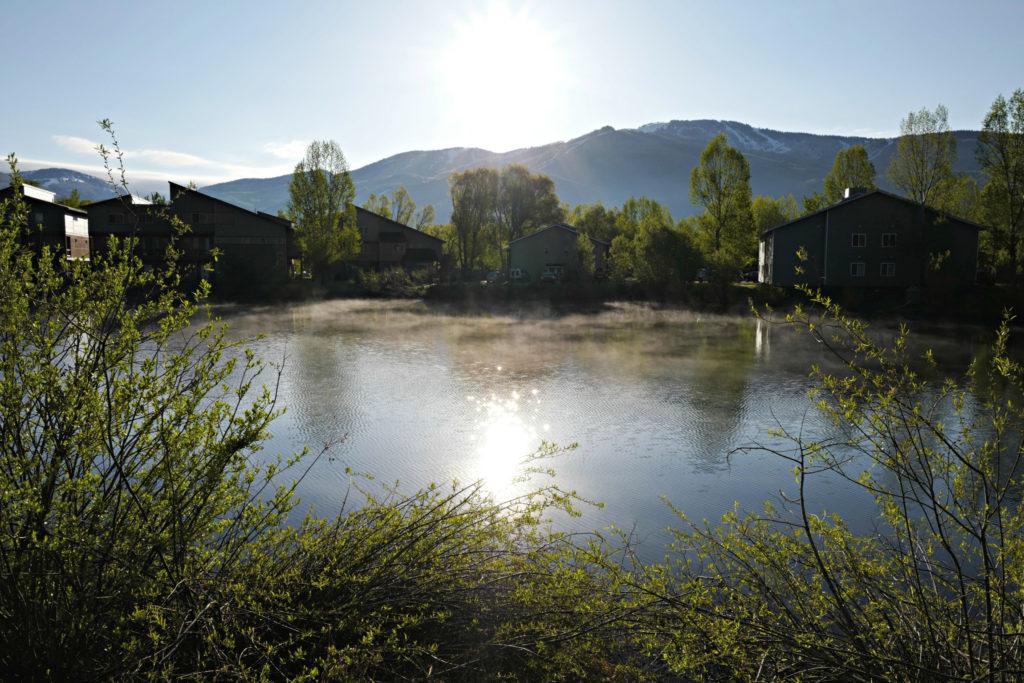 fog, morning, lake, photography, leica, steamboat-springs, walking, travel,